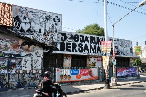 Jogja rumah bersama, translates as Jogja a place (house) for everyone
